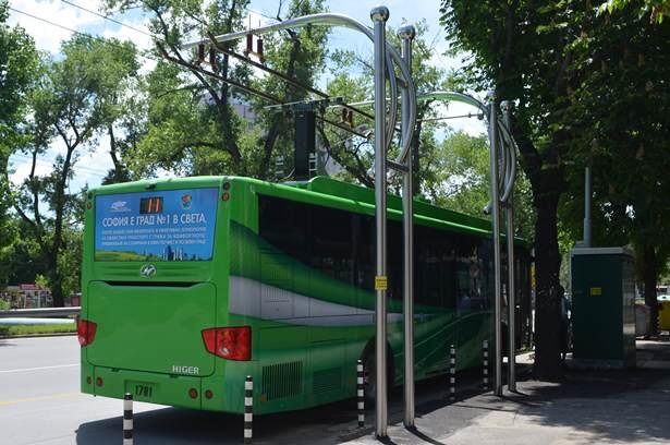 Електробус без батерии е новото чудо на София